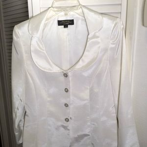 Tahari 2 Piece Skirt and Jacket Suit size 6